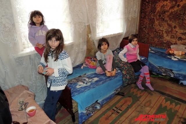 Дочки Люсине Исаевой: Камилла, Алия, Нария и Ева.