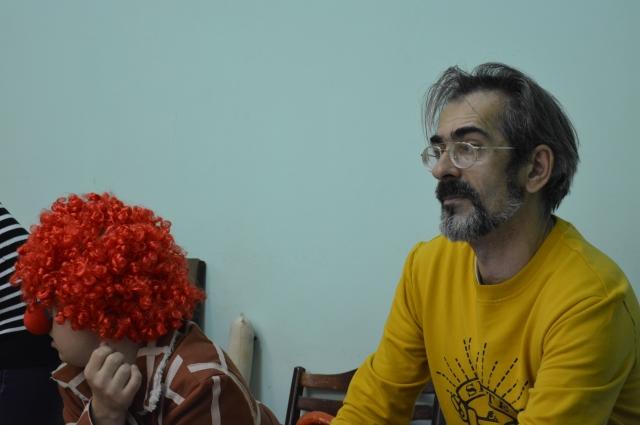 Олег Чичко за работой в студии.
