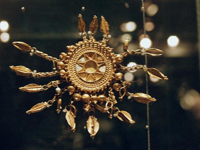 Пряжка. Золото. IV в. до н.э.. Филипповка, курган I