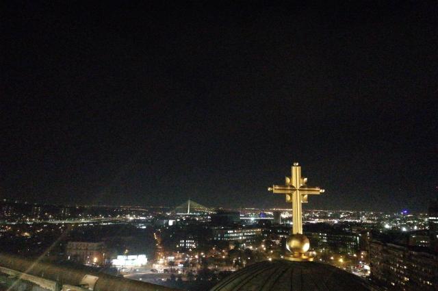 С купола храма святого Саввы город как на ладони.