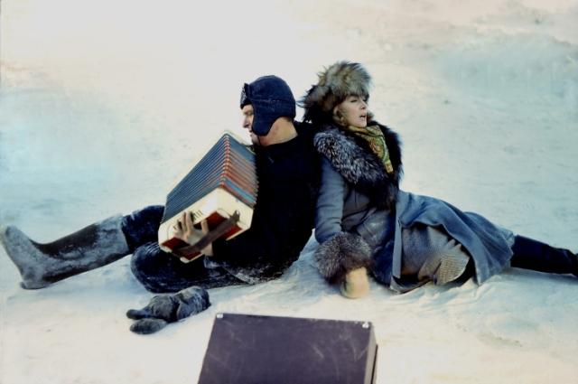 Для актеров сцены в мороз стали одними из самых сложных.