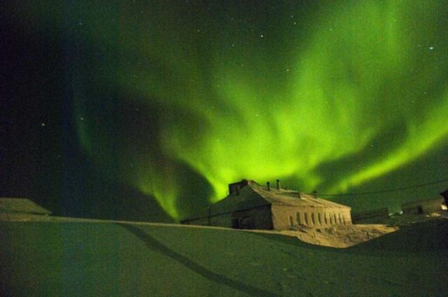 Северное сияние завораживает своей красотой.