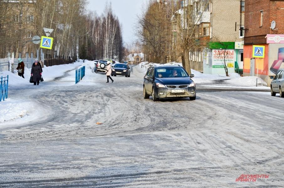 Дорога в центре Красноуральска.