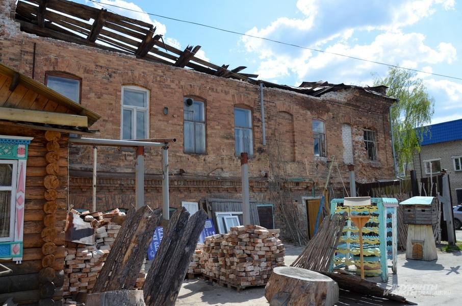 Здание на Революции, 25а, в Ирбите.