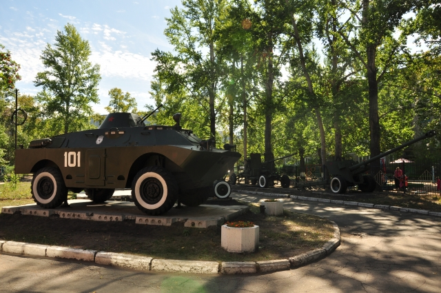 Вся военная техника демилитаризирована. Она прибыла в музей на буксире или на тралах.