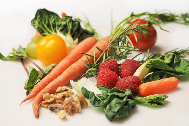 Ускорить метаболизм помогут овощи и фрукты.