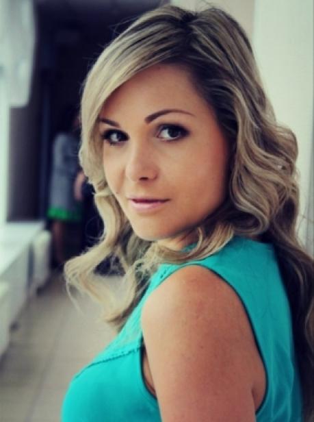 Визажист Анастасия Соколова.