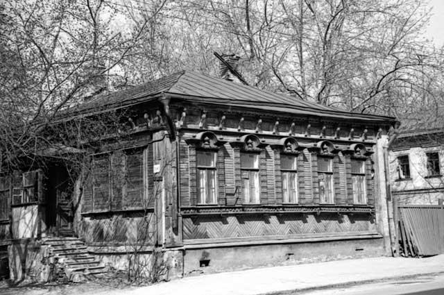 Ул. Суворовская, д. 51. Конец 1980-х годов
