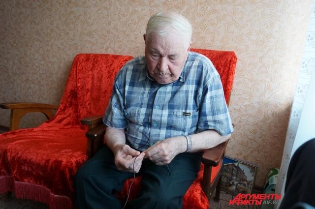 Сергей Андреевич никак не может привыкнуть к квартирным условиям