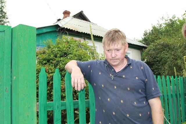 Владислав Кушнеров не собирается покидать свой дом, несмотря на обстрелы.
