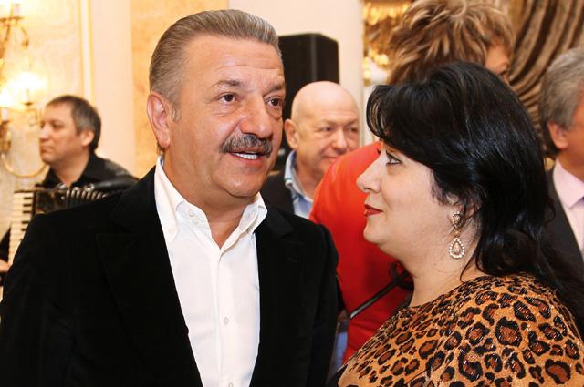 Тельман Исмаилов с супругой Самирой. 2012 г.