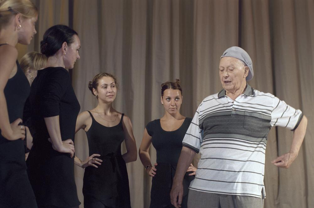 Игорь Александрович Моисеев во время репетиции концерта посвященного 75-летию его творческой деятельности.