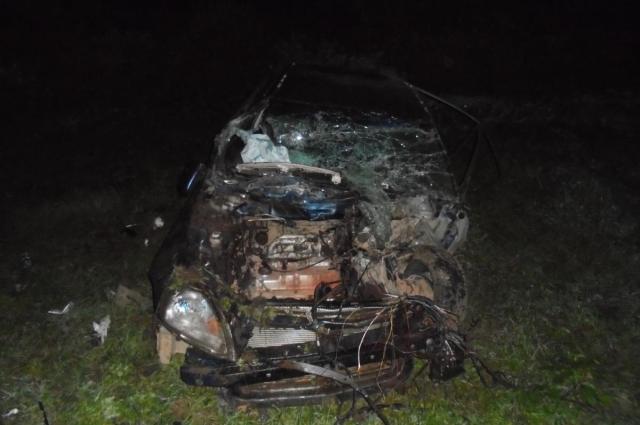На федеральной трассе у села Северное иномарка врезалась в ограждение.