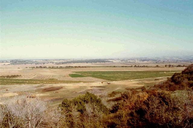 Равнина Троады. Вид с Гиссарлыка. По мнению Шлимана, на этом месте располагался лагерь Агамемнона.