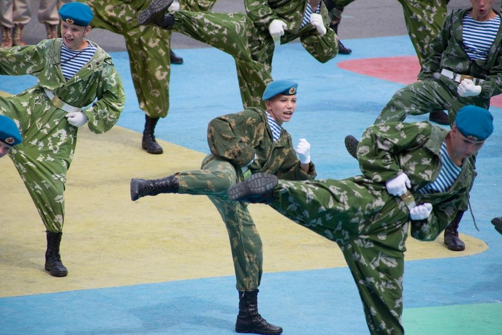 Боевые упражнения на берегу.