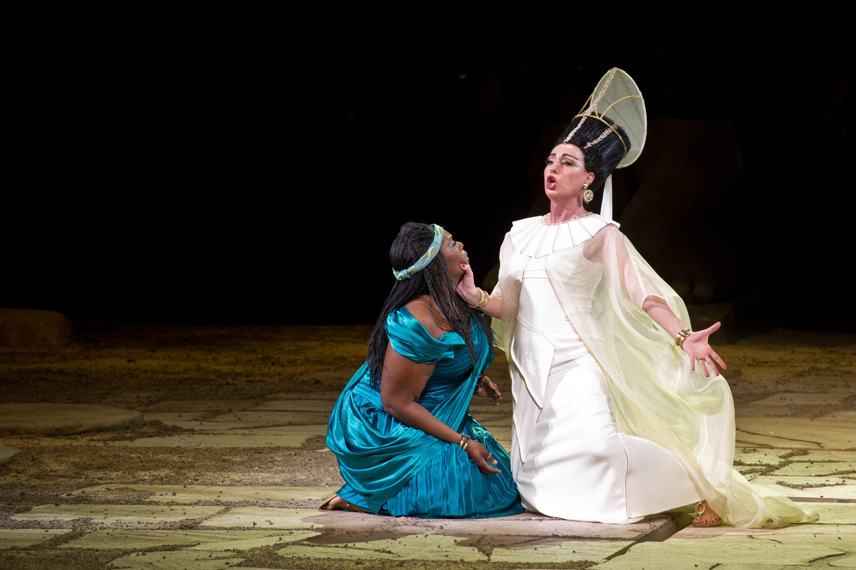 Действие оперы Аида Джузеппе Верди в Лондоне
