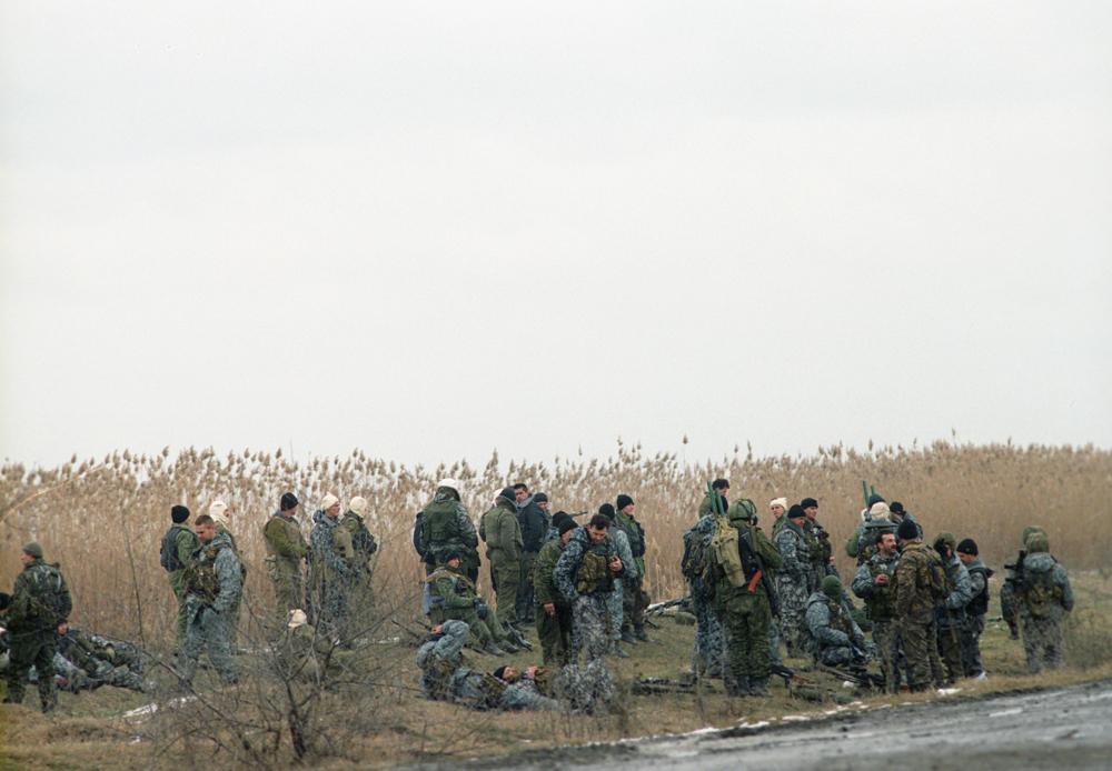 Расположение федеральных войск в районе села Первомайское, на границе с Чечней, где укрепились боевики. Подготовка к штурму села, 9-18 января 1996 г.