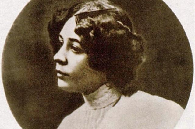 Нина Петровская.