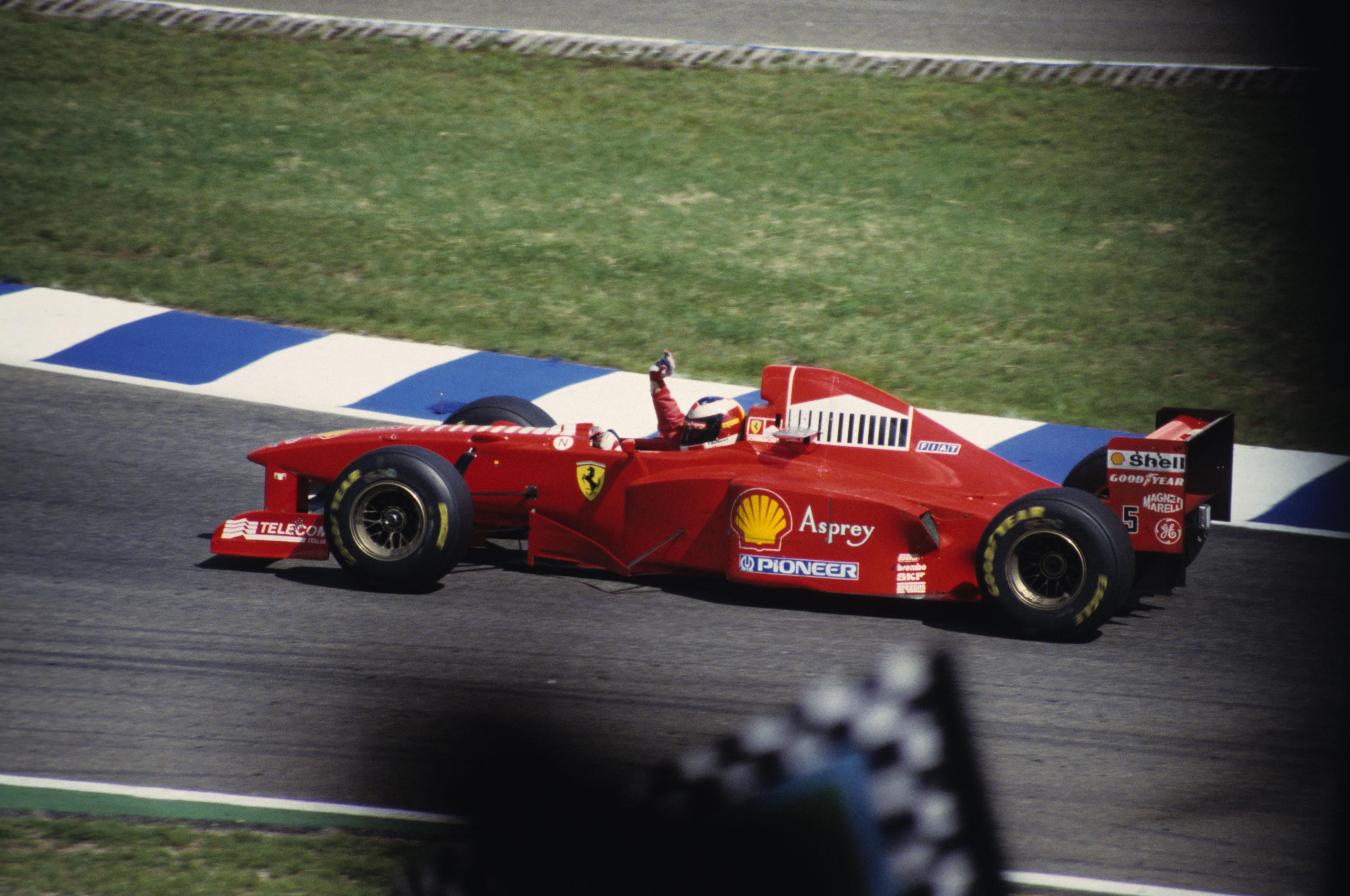 Михаэль Шумахер на Ferrari после финиша Гран-при Германии 1997 года