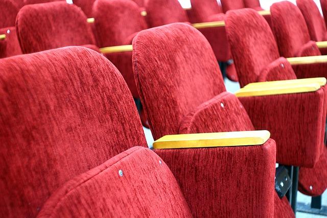 Кино вышло за рамки развлекательного мероприятия.