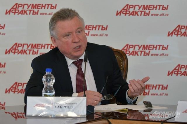 Академик РАН, профессор, д.м.н., д.ф.н., директор Национального НИИ общественного здоровья им. Н.А. Семашко Рамил Хабриев.