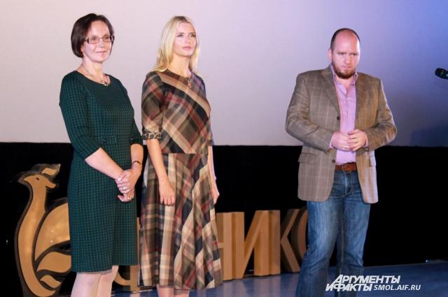 Ирина Купченко, режиссер фильма и исполнительница роли директора школы.