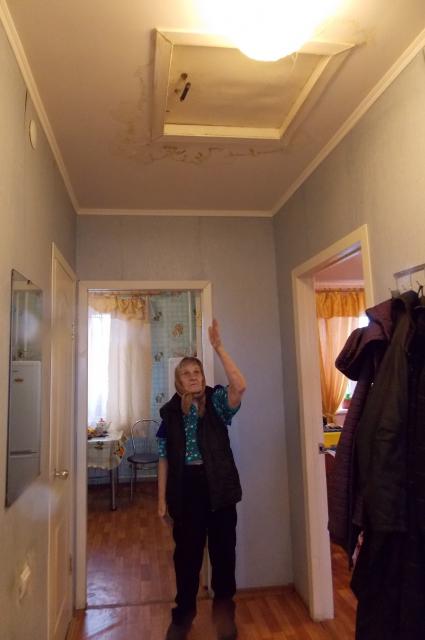 В новом доме ветерана протекают потолки.