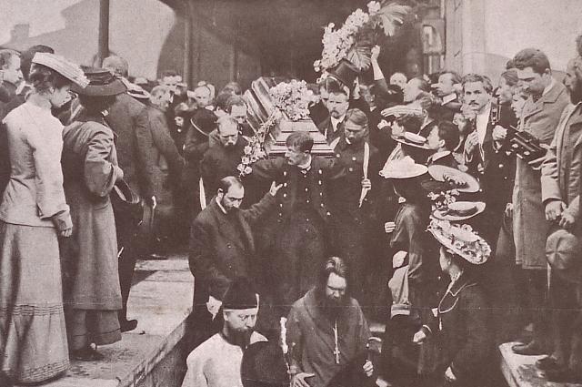 Антон Чехов, Вынос из вагона гроба с телом А.П. Чехова. Николаевский вокзал, 1904 г.