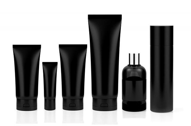 Нарушение защитного барьера кожи происходит из-за использования косметики с содержанием щелочи и агрессивных ПАВов.