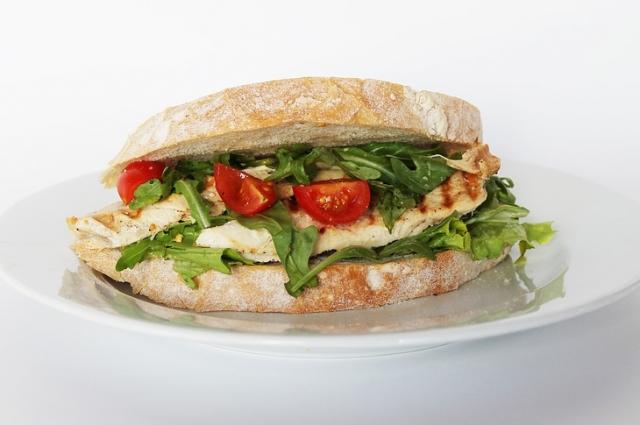 Сэндвич с индейкой - самый питательный.