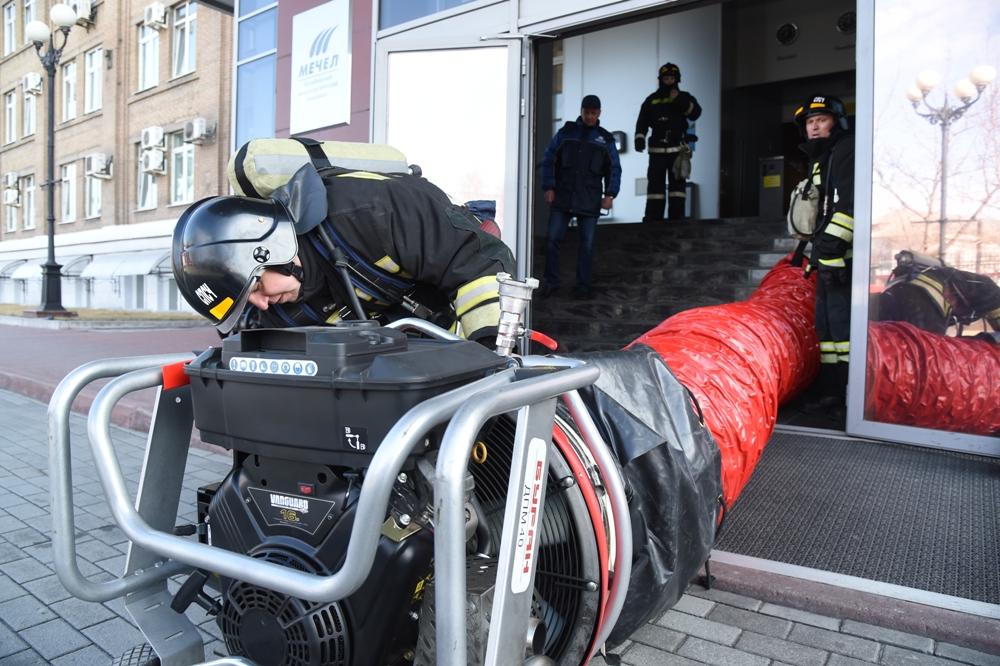 Подведомственная ЧМК пожарная часть оснащена современным оборудованием.