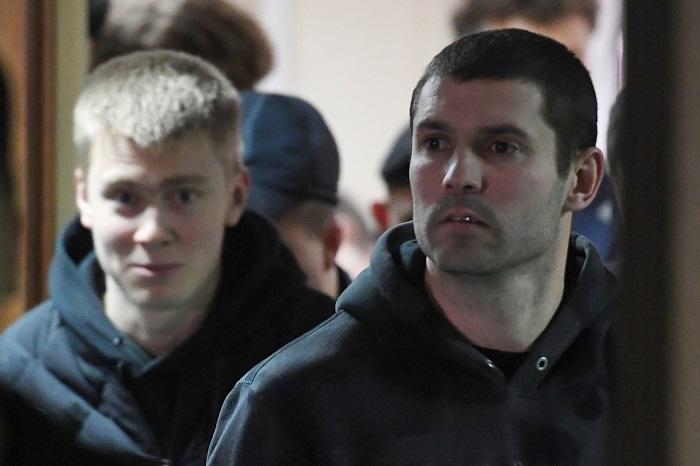 Кирилл Кокорин (слева) и Александр Протасовицкий, обвиняемые в хулиганстве и побоях.