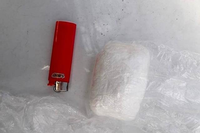 В автомобиле наркополиция изъяла свёрток, в котором было 100 гр амфетамина.