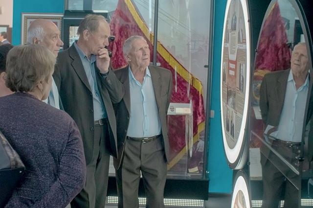 Ветераны посетили музей предприятия и и вспомнили свой трудовой путь.