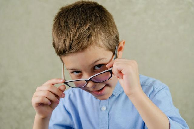 Поданным статистики, каждый пятый школьник страдает синдромом «сухого глаза».