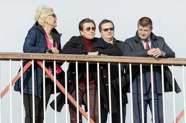 Сергей Безруков побывал на Казанской набережной в Туле.