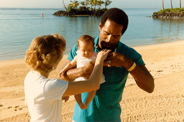 Николь Браун  и О. Джей Симпсон с дочерью.