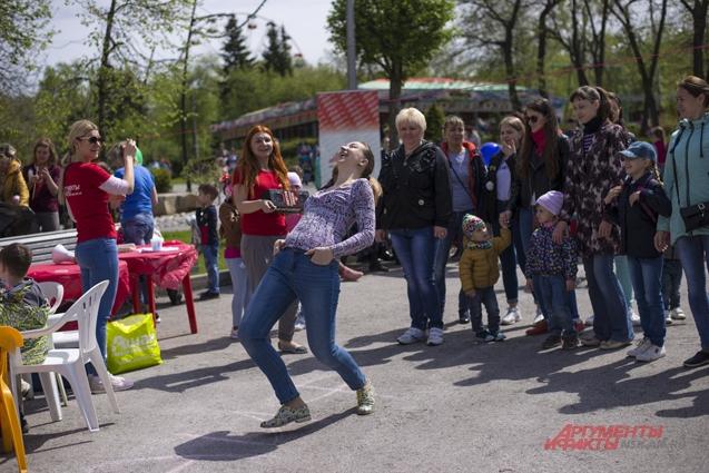Организаторы подготовили конкурсы для детей и взрослых.