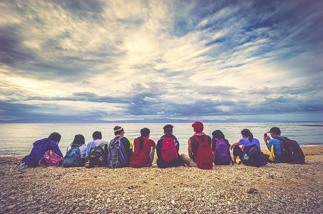 Дети на море.