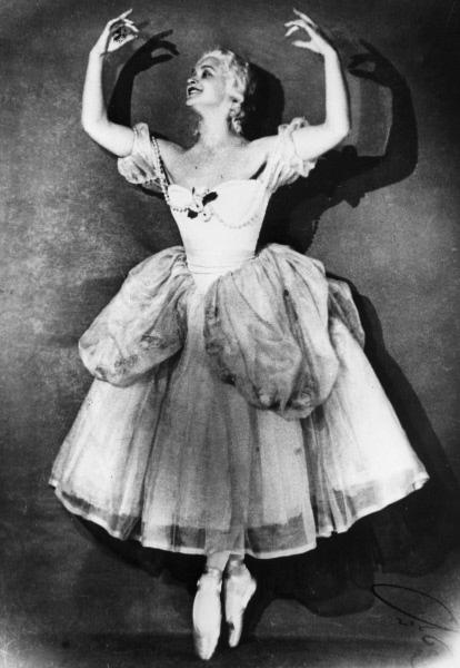 Марина Семенова в балете Пламя Парижа