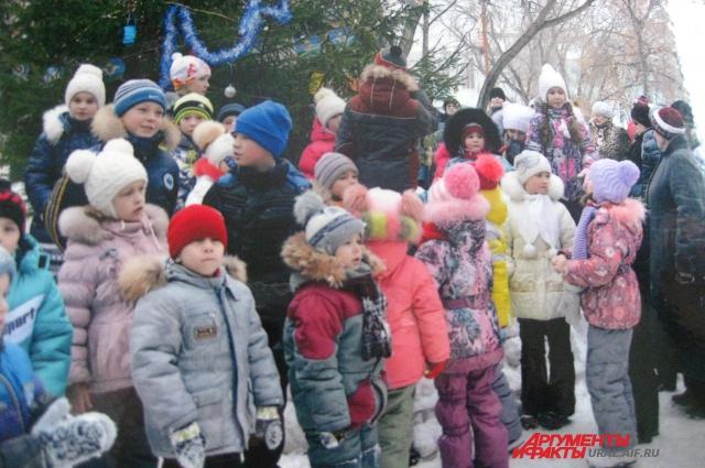 Николай Харюшин готов сделать всё, чтобы дети в его родном Богдановиче были счастливы.