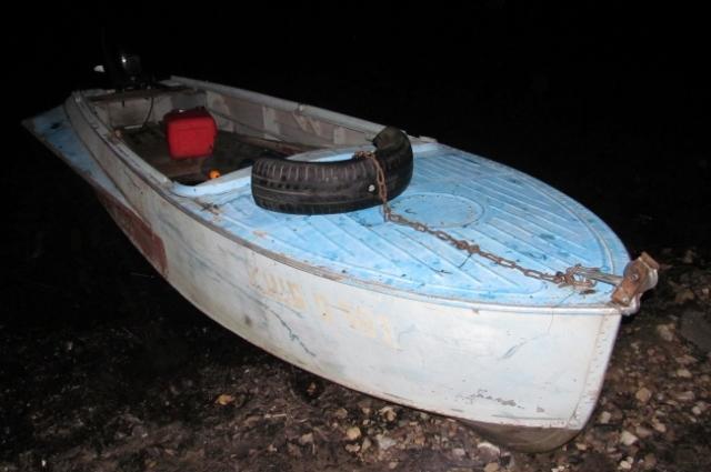 У подозреваемого изъяты пойманная рыба, а также удочка и лодка.