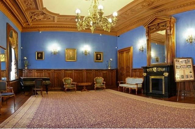 Пары регистрируют брак во дворец уже 58 лет.
