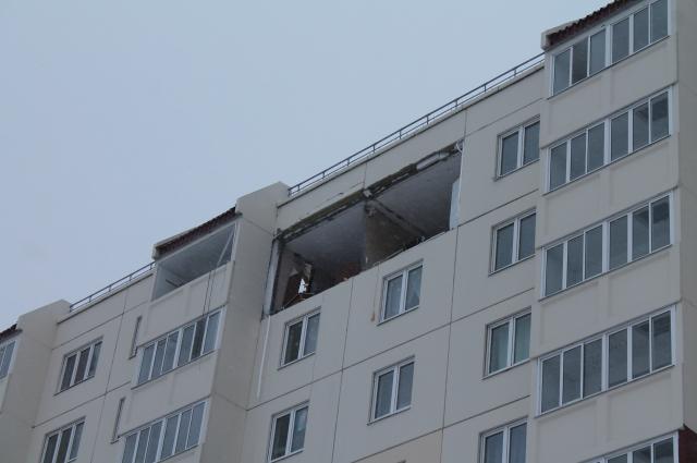 В многоэтажке от хлопка газа вылетела уличная стена.