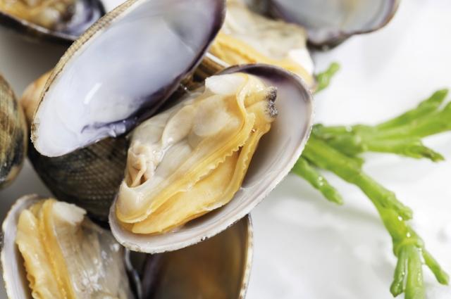 Больше всего йода содержится в морепродуктах.