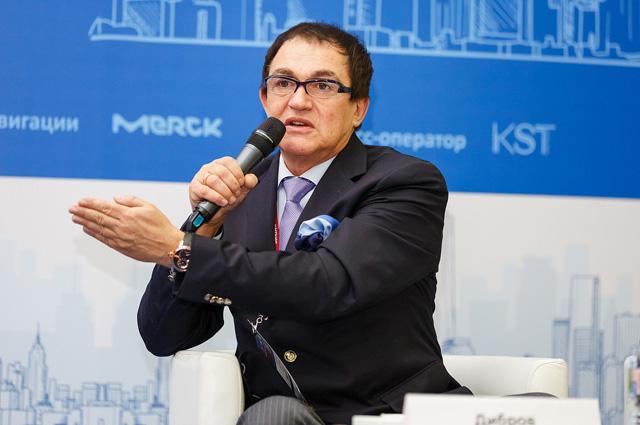 Ведущий:  Дмитрий Дибров, журналист, телеведущий.