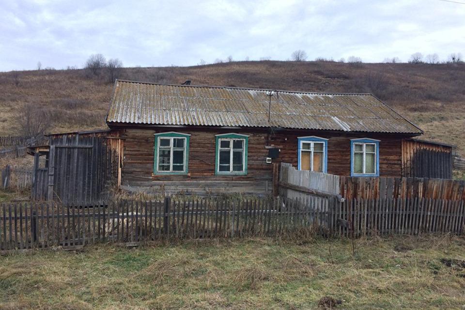 Дом для учителя в Большой Тихой (левая половина).