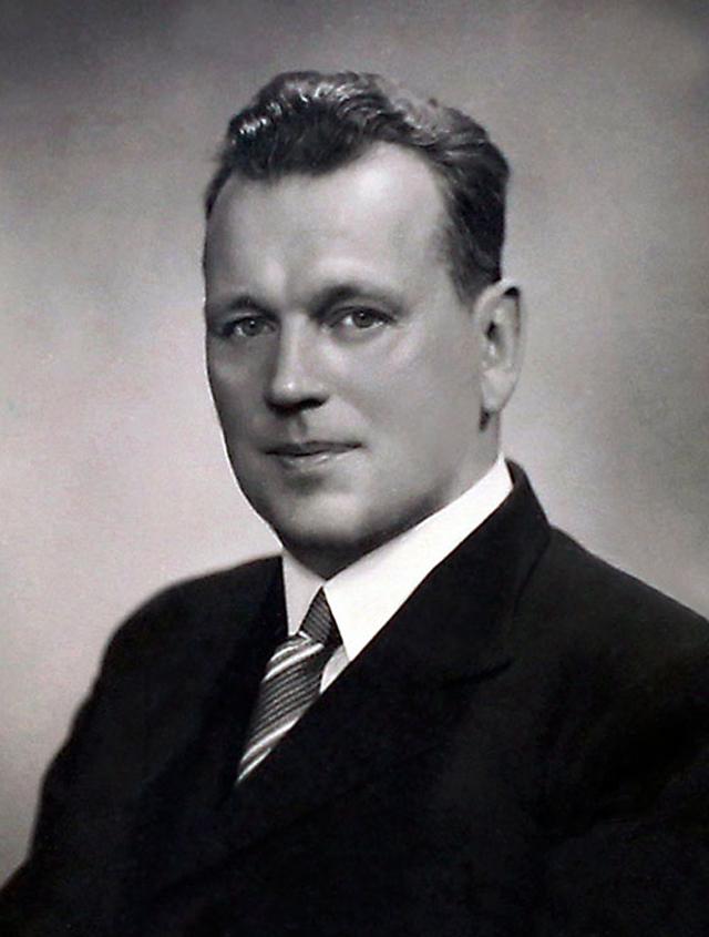 Руководитель Энзелийской операции Федор Раскольников.
