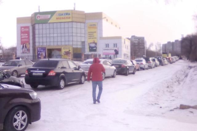 3 февраля очереди за бензином стоят с самого утра.