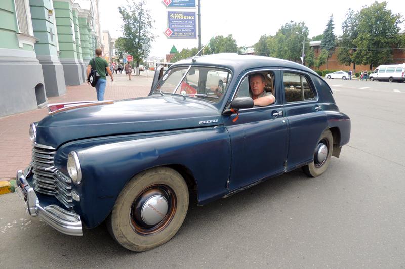 Владелец «Победы» доволен, что его машина выделяется на улицах города